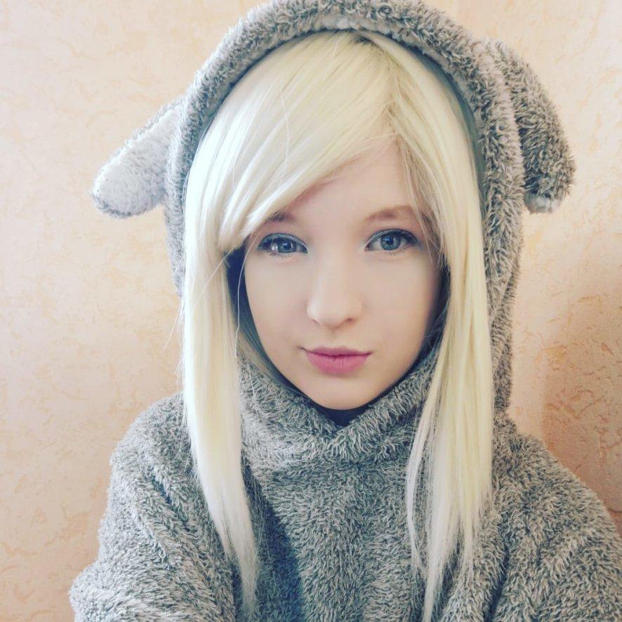 Honey_Regi Webcam Model Profile   superchatlive