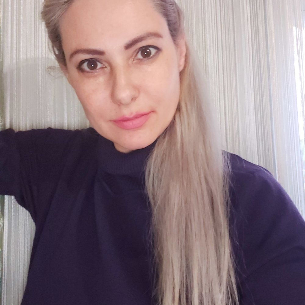 Queen_Litty at StripChat