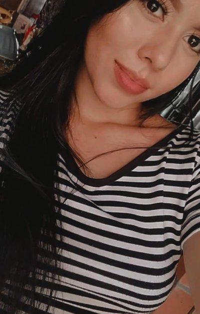 KylieHot2