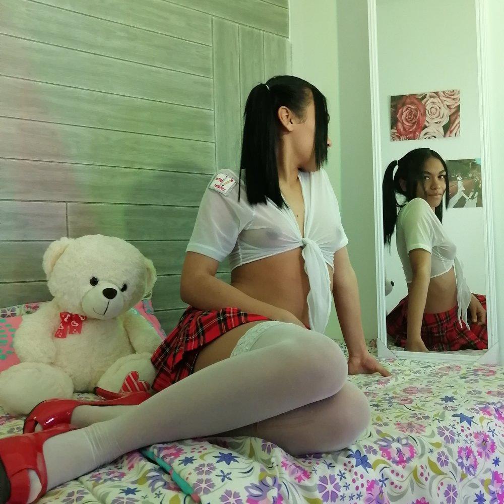 Melly_Santi at StripChat