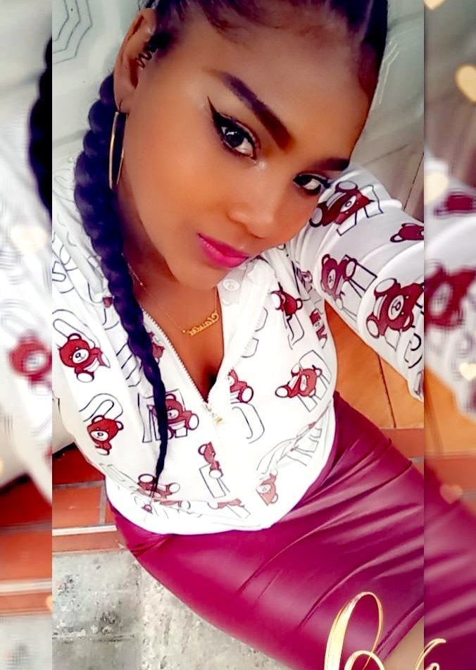 canela_brunette at StripChat