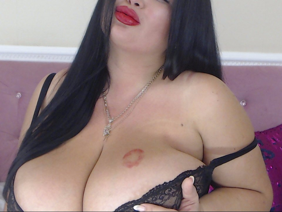 Valeri_wow_Boobs at StripChat