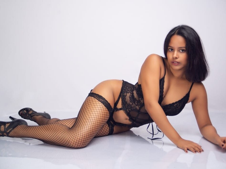Watch Annymontgomery live on cam at StripChat