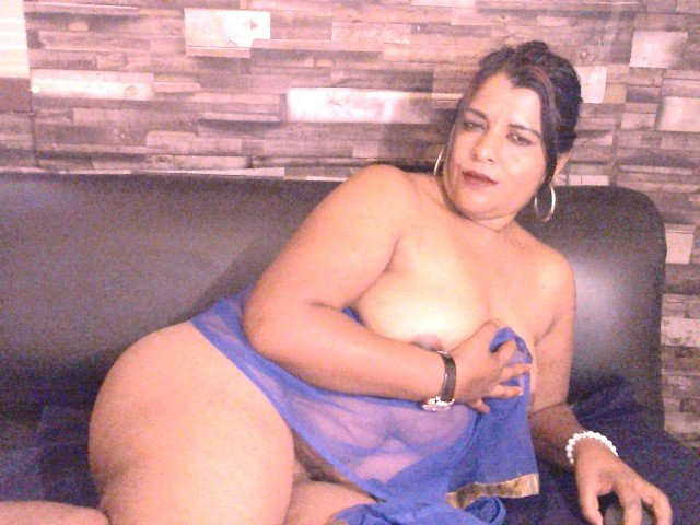 indianshaeeza at StripChat