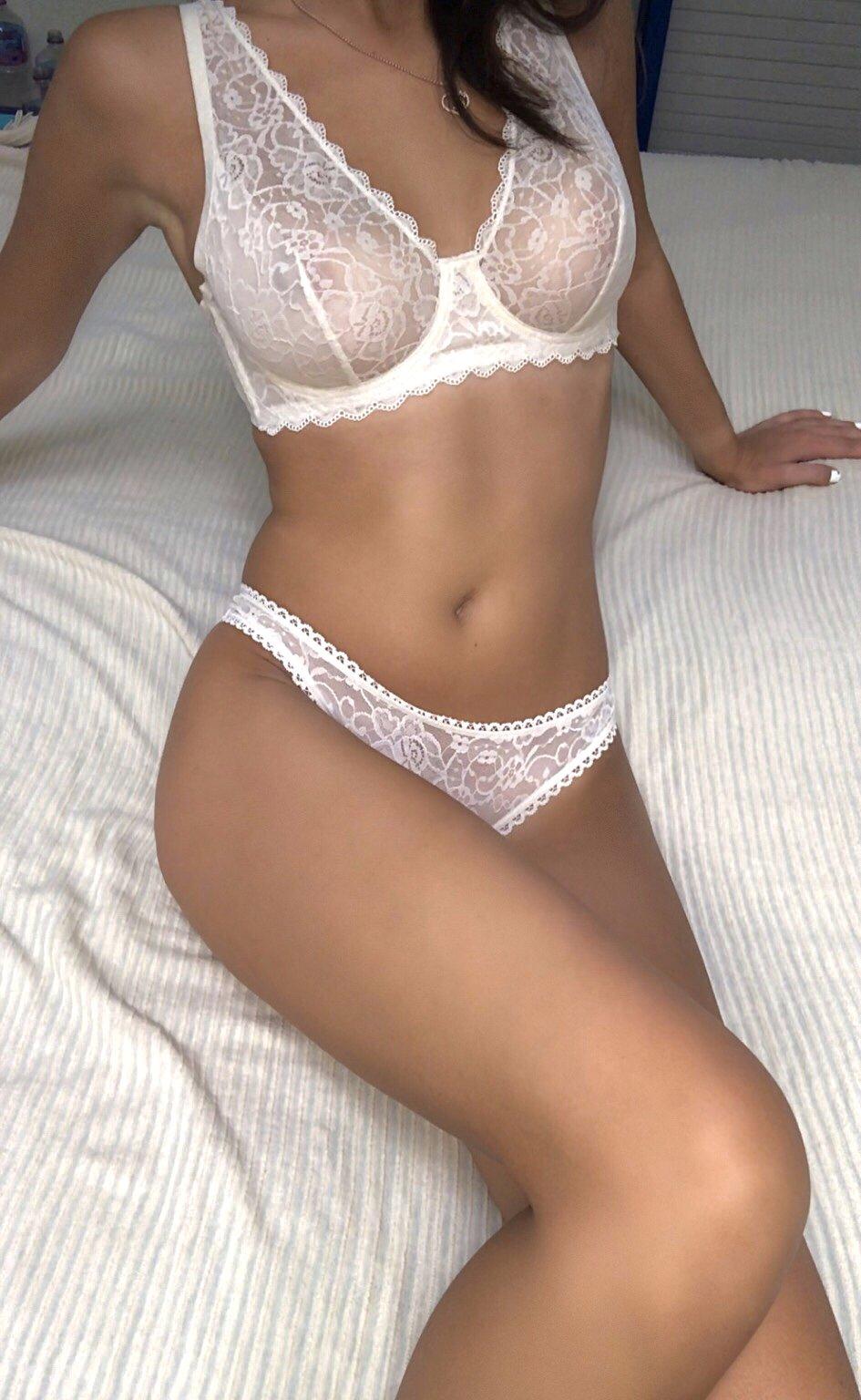 Larasex22hot at StripChat