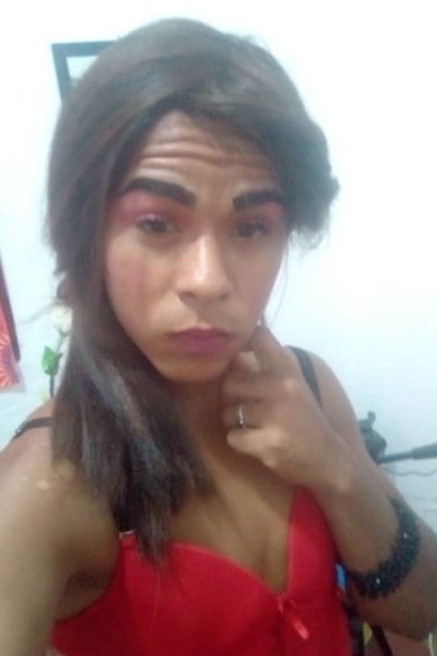 brunettetranshot