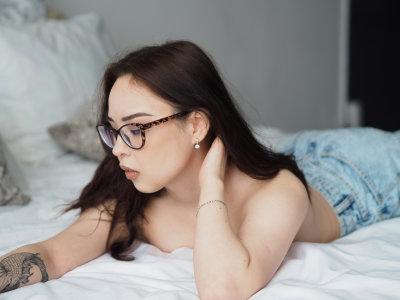 AngelaMiln