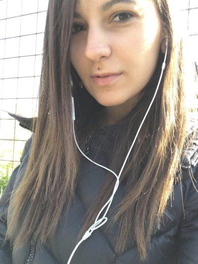 Melly_b