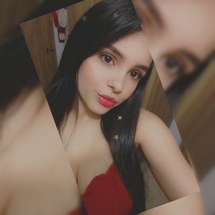 Watch becabenz live on cam at StripChat