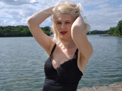 Blondbb