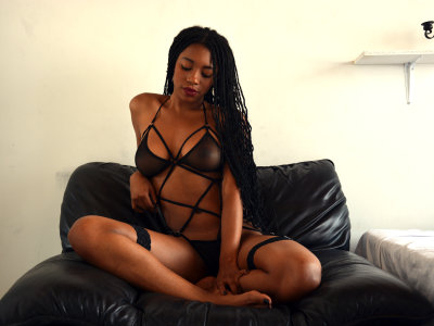 April_ebony18
