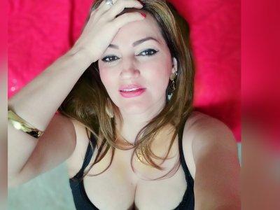 Ariella_tits