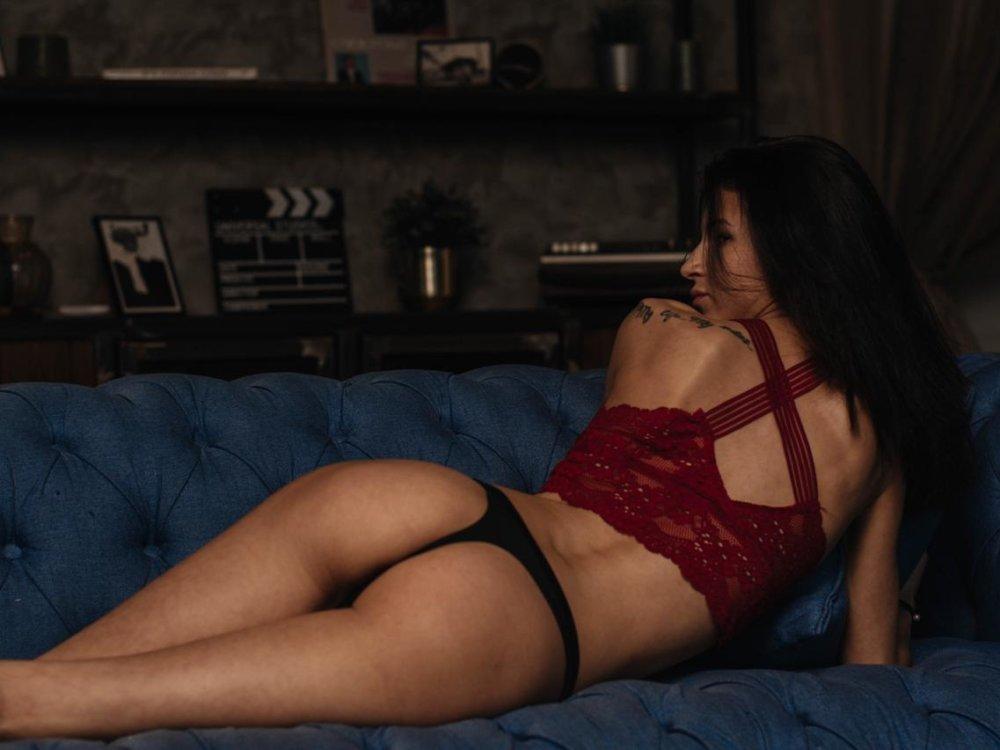 Rebecca_Moor at StripChat