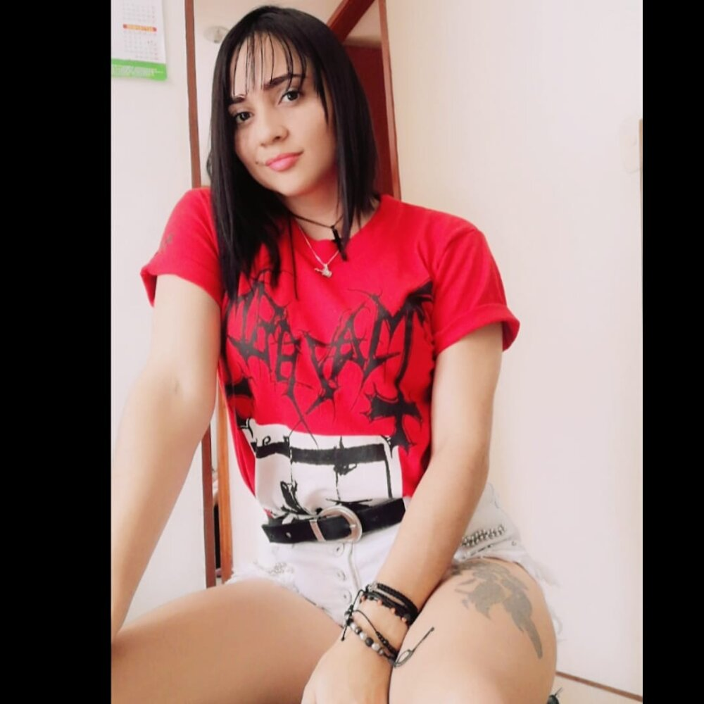 Watch Eliana_hot live on cam at StripChat