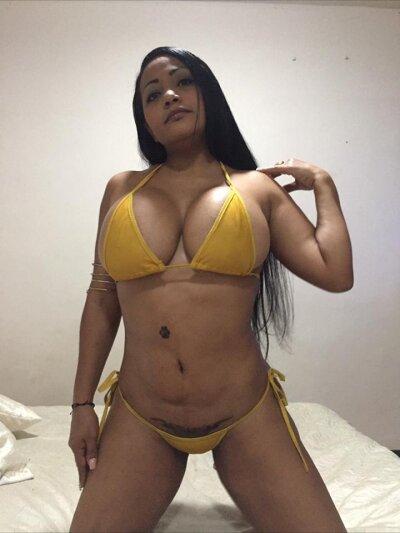 Cristal_sexy_bigass