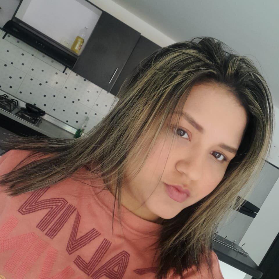 thalia_shine at StripChat