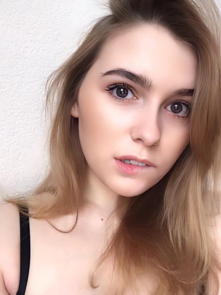zarina_shy at StripChat