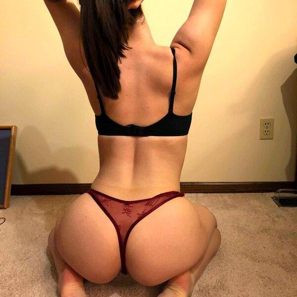 Alli_shy at StripChat