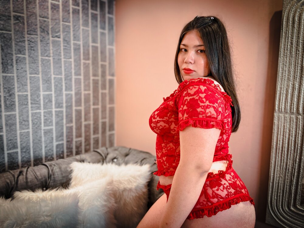 Watch DenisseMyers live on cam at StripChat