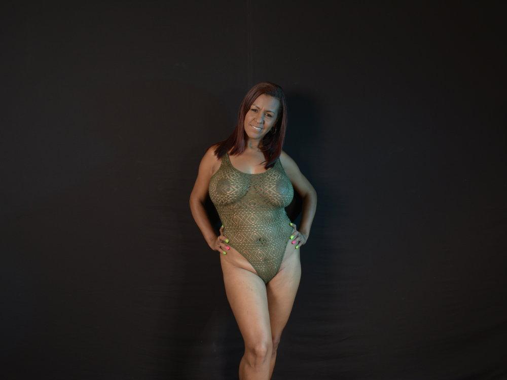 lucyy_bennet at StripChat