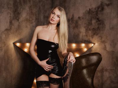 Sweet_Blondie_La_Lara
