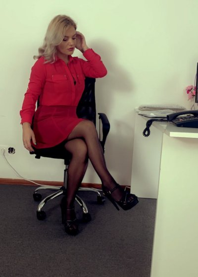 Kinky_secretary sex chat