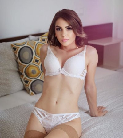 Anisia_doll