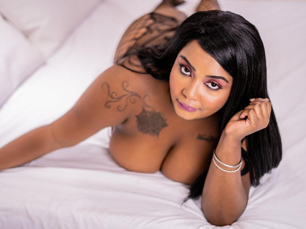 NaomiJones_ at StripChat