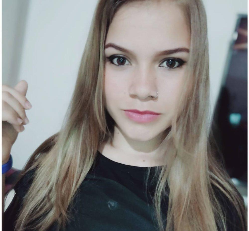 Watch roxana_evan live on cam at StripChat