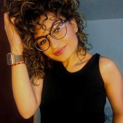 Carla_curly