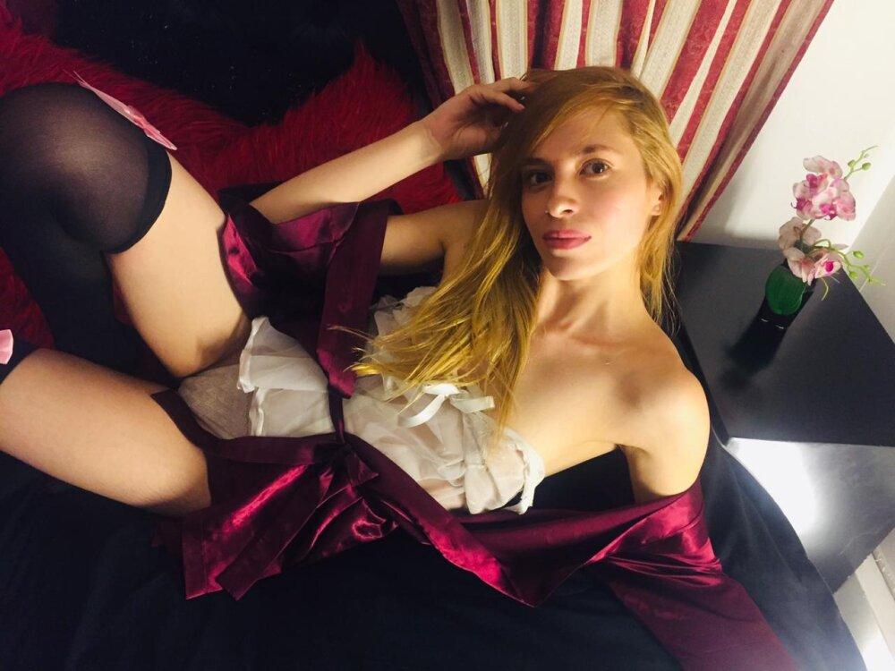 camila_Toscan at StripChat
