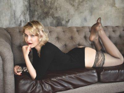 Lara_Blonde
