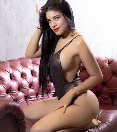 Catalina_Curvy