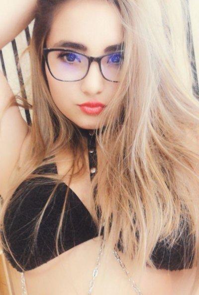 Sarita_Taylor