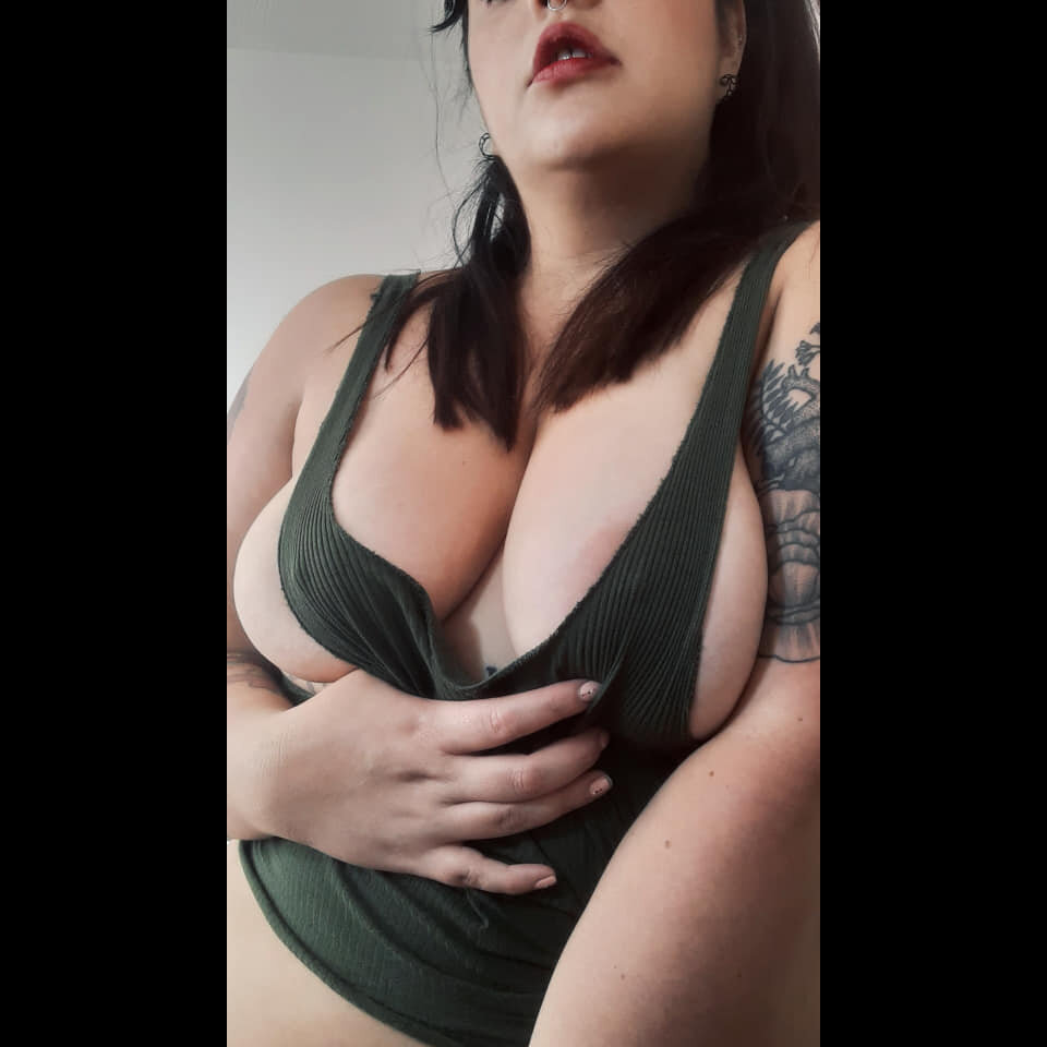 Victoria_snow at StripChat