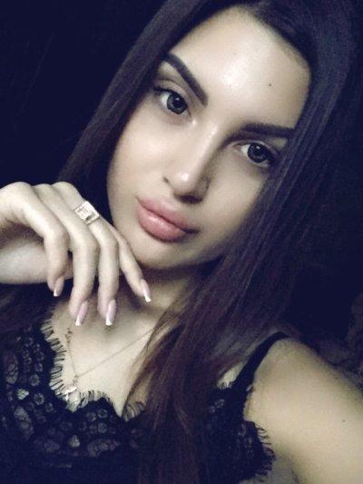 Cute_Gloria