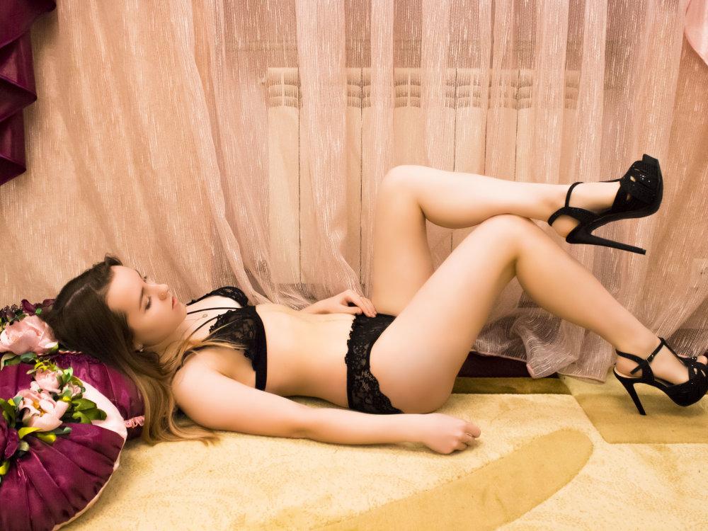 Elena_CandyKiss at StripChat