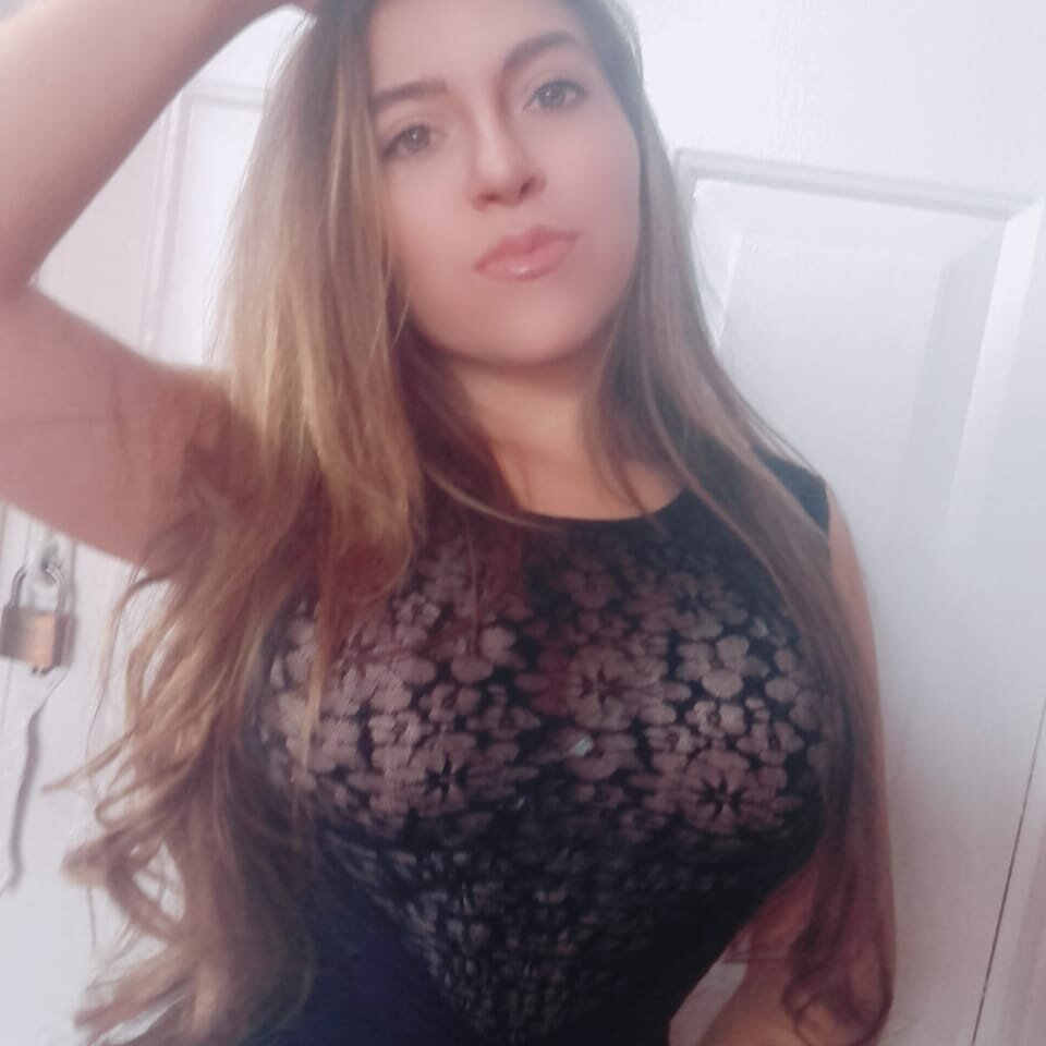 Monnasexxy01 at StripChat