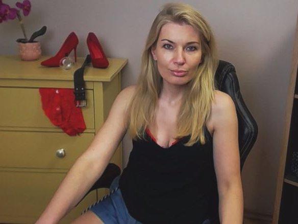 sensualSOFIE at StripChat