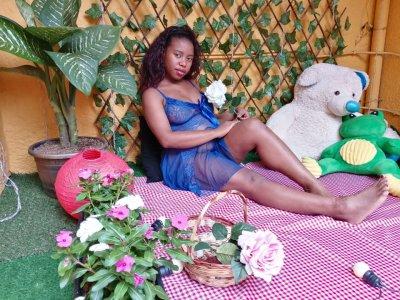 Tropic_woman Live