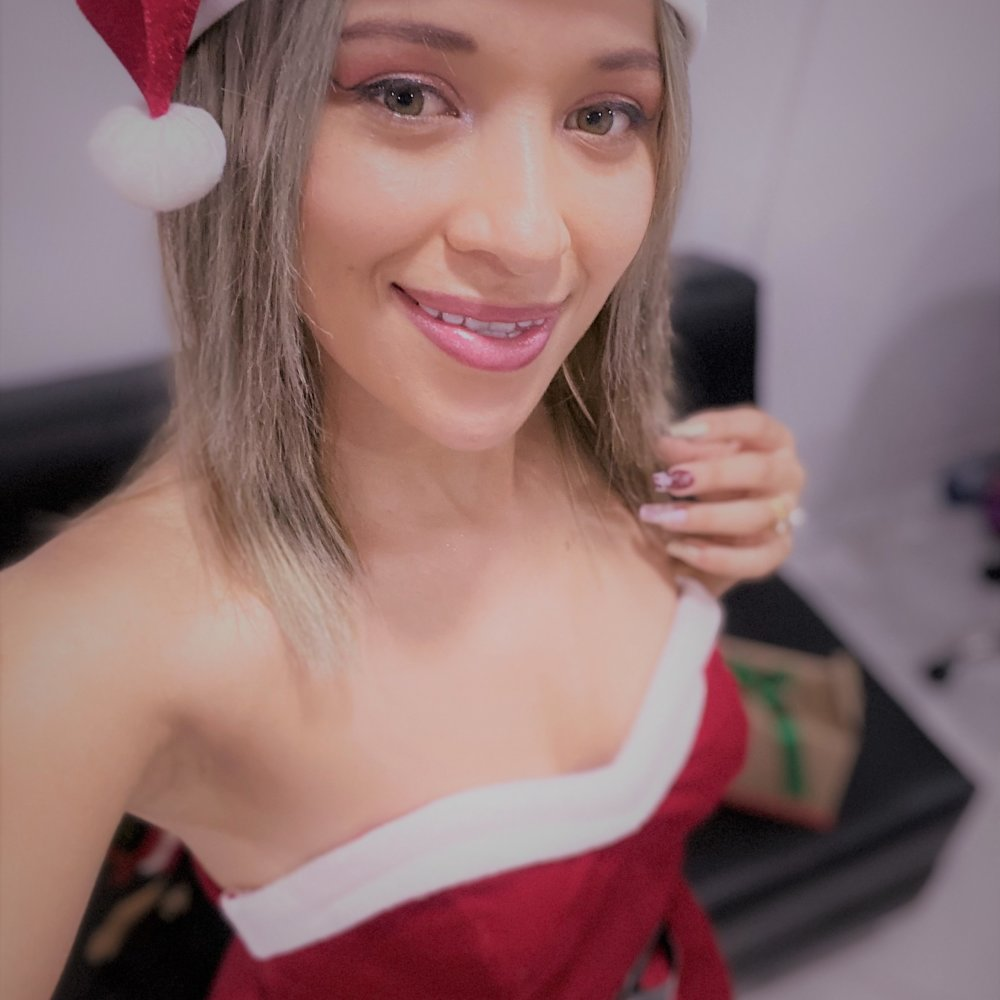Watch ANETTE_ALVES1 live on cam at StripChat