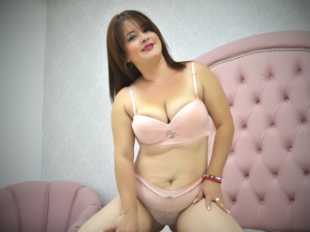 TaniaxSweet at StripChat