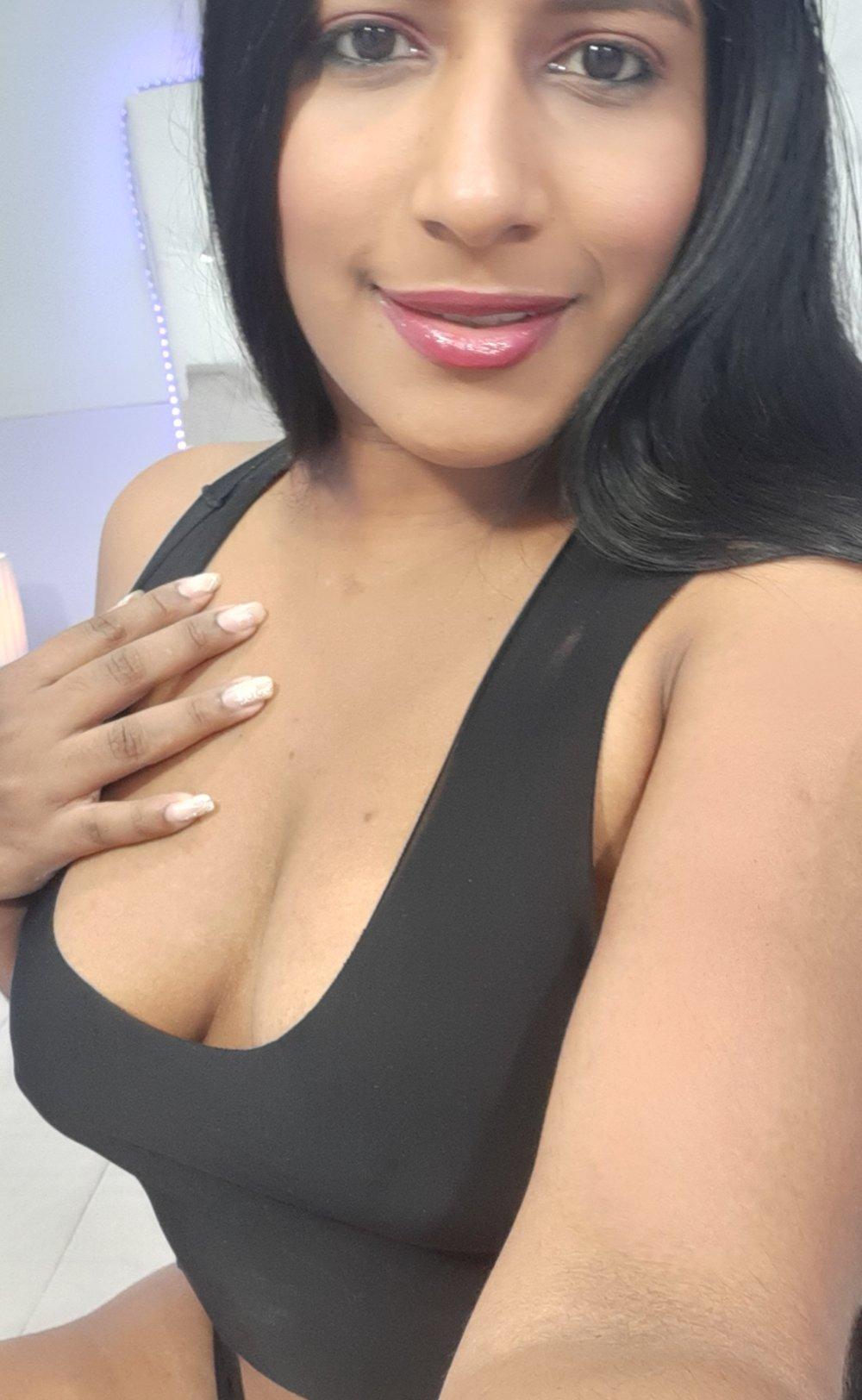 indiana_jonnes at StripChat