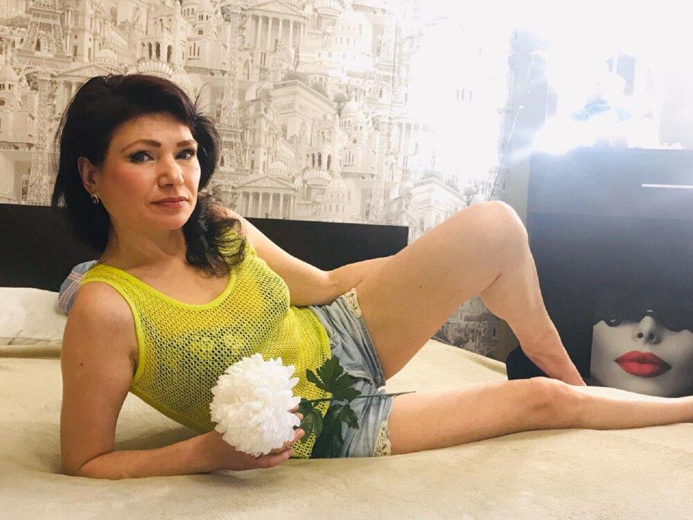 Monika_Queen at StripChat