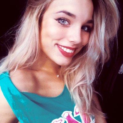 Molly_Hot