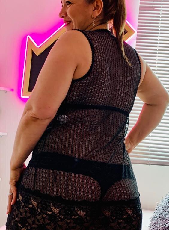 Sweetmom1 at StripChat
