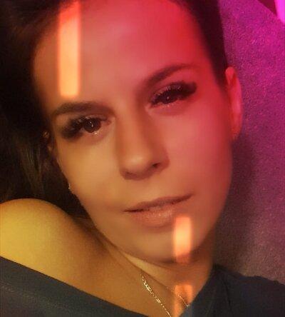 Selena_Cute