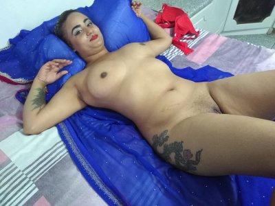 EroticZara Cam