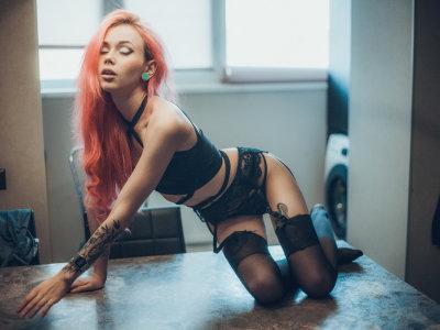 Sarah_Pink