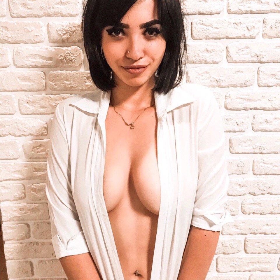 sensual_sakura at StripChat